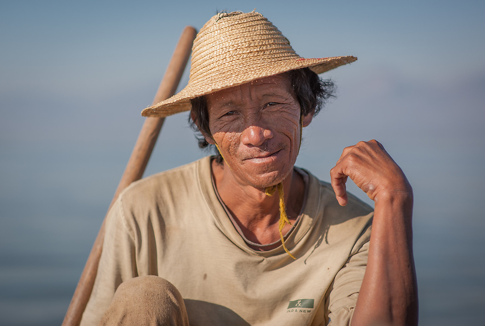 Fisherman portrait in Inle Lake (Myanmar)