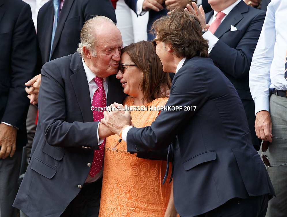 Juan Carlos of Spain in der Ehrenloge, freut sich ueber den Sieg von rafael Nadal,<br /> <br /> Tennis - French Open 2017 - Grand Slam / ATP / WTA / ITF -  Roland Garros - Paris -  - France  - 11 June 2017.