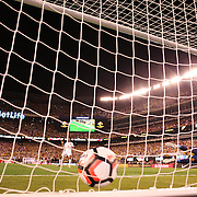 EAST RUTHERFORD, NEW JERSEY - JUNE 17:  Juan Cuadrado #11 of Colombia beats Pedro Gallese #1 of Peru from the penalty spot during the penalty shoot out  during the Colombia Vs Peru Quarterfinal match of the Copa America Centenario USA 2016 Tournament at MetLife Stadium on June 17, 2016 in East Rutherford, New Jersey. (Photo by Tim Clayton/Corbis via Getty Images)