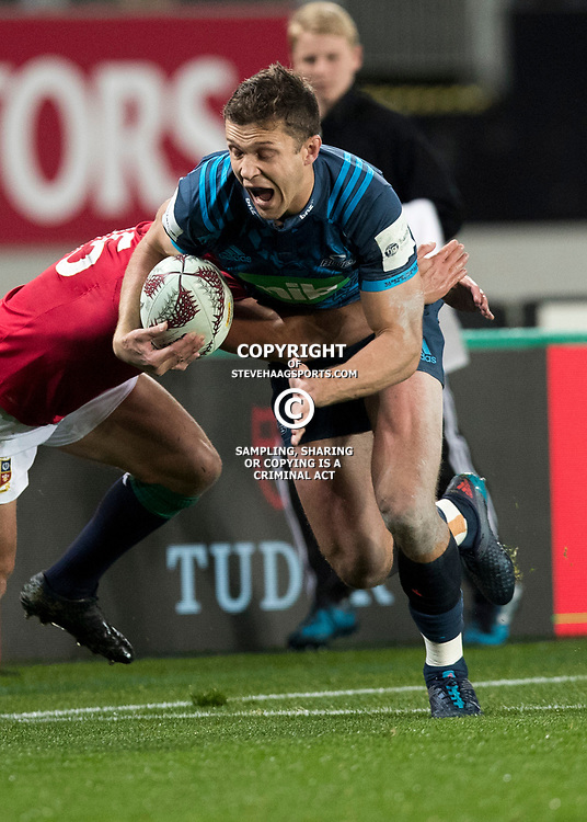 Matt Duffie, Eden Park, Auckland game 2 of the British and Irish Lions 2017 Tour of New Zealand,The match between the Auckland Blues and British and Irish Lions, Wednesday 7th June 2017   <br /> <br /> (Photo by Kevin Booth Steve Haag Sports)<br /> <br /> Images for social media must have consent from Steve Haag