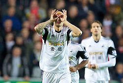 6.09.2013, Liberty Stadion, Swansea, ENG, Premier League, Swansea City vs FC Liverpool, 4. Runde, im Bild Swansea City's Jonjo Shelvey celebrates scoring the first goal against Liverpool during the English Premier League 4th round match between Swansea City AFC and Liverpool FC at the Liberty Stadium, Swansea, Great Britain on 2013/09/16. EXPA Pictures © 2013, PhotoCredit: EXPA/ Propagandaphoto/ David Rawcliffe<br /> <br /> ***** ATTENTION - OUT OF ENG, GBR, UK *****