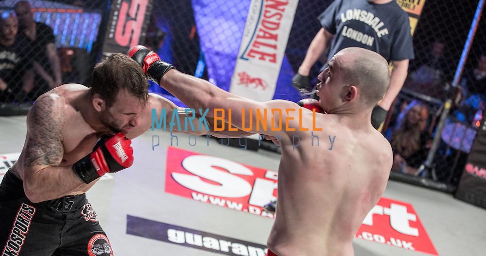 Tom Mowle vs. Richard Briggs