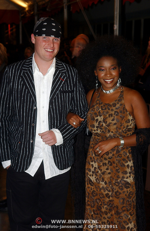 NLD/Utrecht/20051001 - Nederlands Filmfestival 2005, Premiere Johan, Leona Phillipo en partner