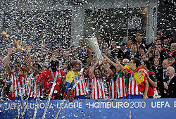 12.05.2010, Hamburg Arena, Hamburg, GER, UEFA Europa League Finale, Atletico Madrid vs Fulham FC, im Bild Atletic Madrid's  trophy presentation, EXPA Pictures © 2010, PhotoCredit: EXPA/ IPS/ Marcello Pozzetti / SPORTIDA PHOTO AGENCY