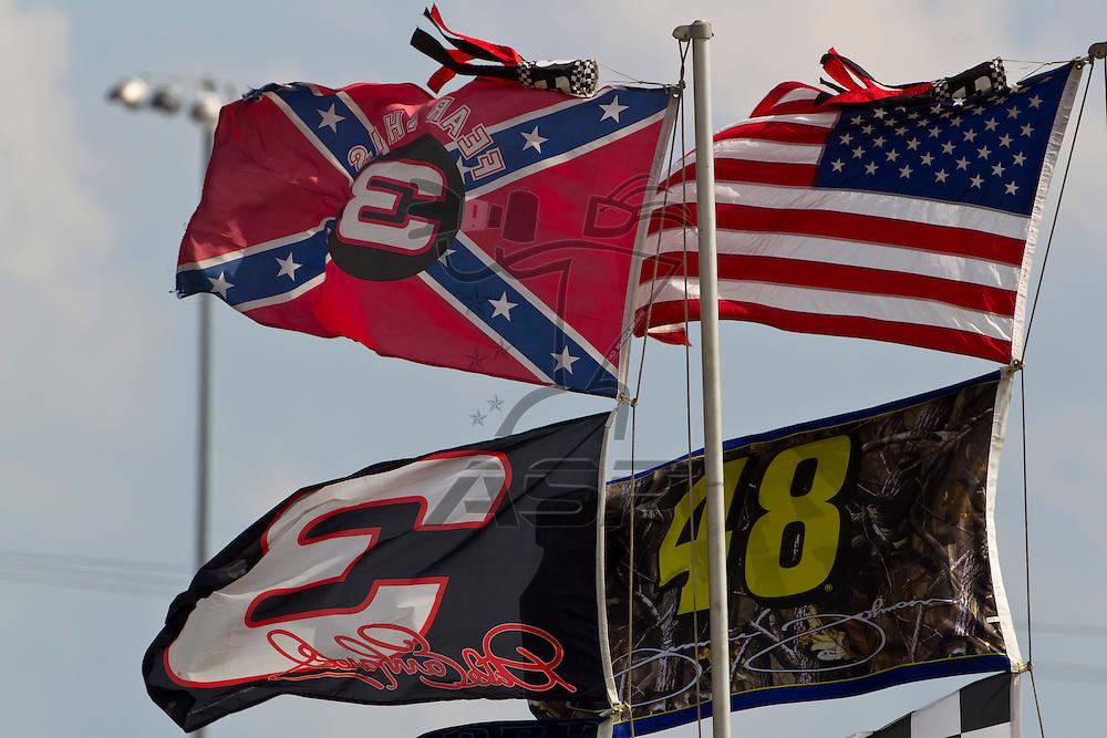 Daytona Beach, FL - Feb 23, 2012:  The NASCAR Sprint Cup teams take to the track for the Gatorade Duel 1race at the Daytona International Speedway in Daytona Beach, FL.
