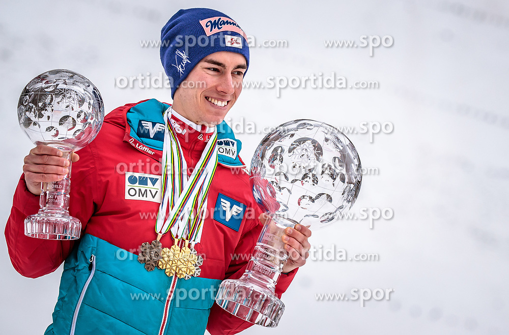 26.03.2017, Planica, Ratece, SLO, FIS Weltcup Ski Sprung, Planica, Fotoshooting, im Bild Gesamtweltcup- und Skiflug Weltcup Sieger Stefan Kraft (AUT) während eines Fotoshootings mit den Kristallkugeln // Overall World Cup and Ski Flying World Cup winner Stefan Kraft of Austria during a photohooting with the crystal globes during a Photoshooting after the FIS Ski Jumping World Cup Final 2017 at Planica in Ratece, Slovenia on 2017/03/26. EXPA Pictures © 2017, PhotoCredit: EXPA/ JFK