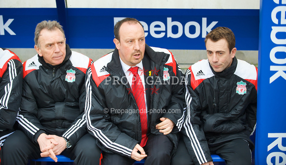 BOLTON, ENGLAND - Sunday, March 2, 2008: Liverpool's manager Rafael Benitez with first team coach Alex Miller (L) and fitness coach Paco de Miguel (R) before the Premiership match against Bolton Wanderers at the Reebok Stadium. (Photo by David Rawcliffe/Propaganda)