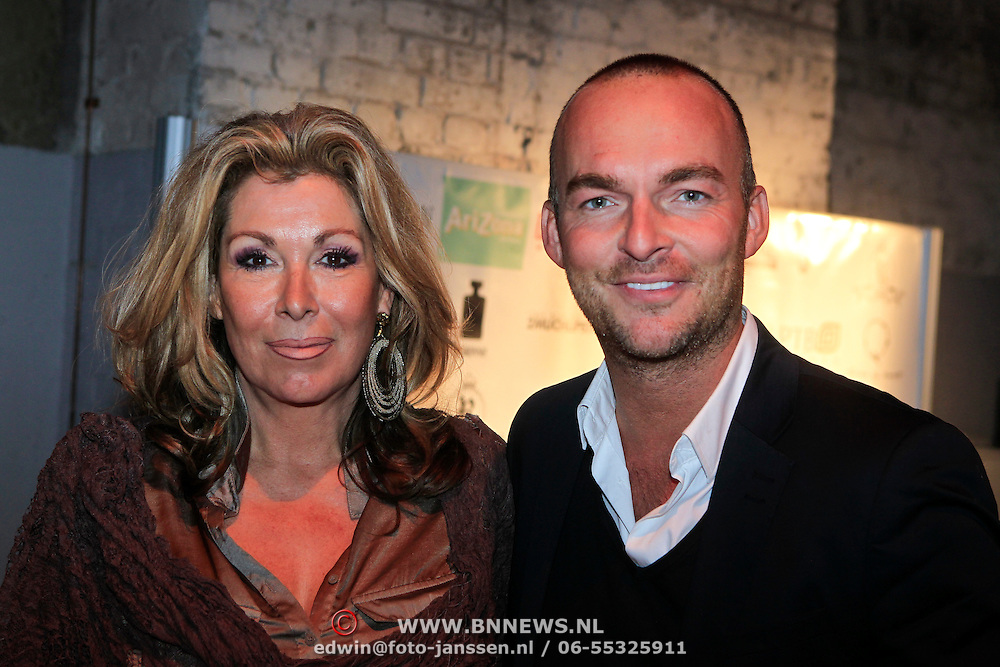 NLD/Amsterdam/20110919 - Modeshow Jos Raak 2011, Betty Groot en .......