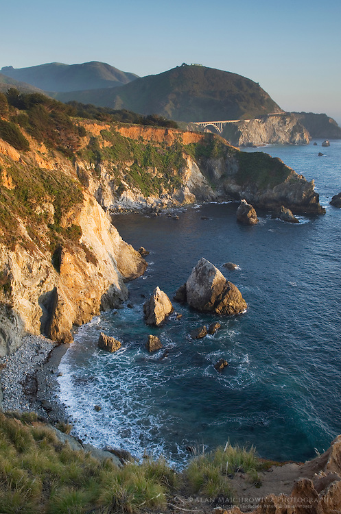 Classic view of the rugged coastal headlands of Big Sur and the Bixby Bridge, California