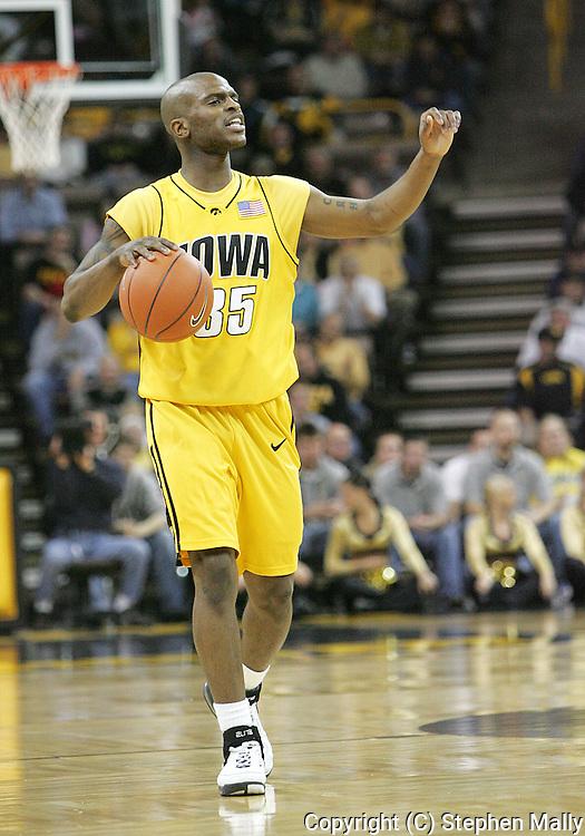 24 JANUARY 2007: Iowa guard Mike Henderson (35) in Iowa's 79-63 win over Penn State at Carver-Hawkeye Arena in Iowa City, Iowa on January 24, 2007.