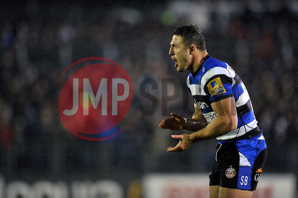 Sam Burgess of Bath Rugby encourages his team-mates during a break in play - Photo mandatory by-line: Patrick Khachfe/JMP - Mobile: 07966 386802 28/11/2014 - SPORT - RUGBY UNION - Bath - The Recreation Ground - Bath Rugby v Harlequins - Aviva Premiership