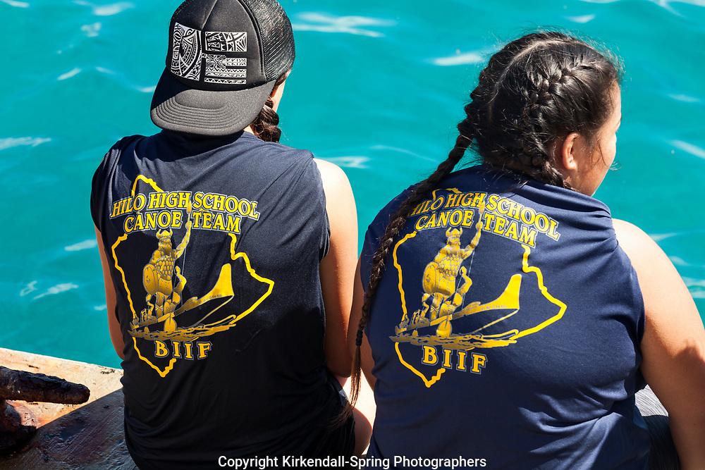 HI00445-00...HAWAI'I - High school canoe team at a race at the town of Kailuna-Kona on the island of Hawai'i.