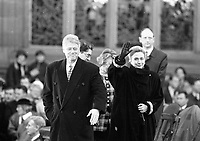 American President Bill Clinton in Derry, with his wife Hillary Clinton, 30/11/1995. (Part of the Independent Newspapers Ireland/NLI Collection).