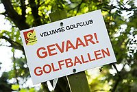 HOOG SOEREN -  Gevaar, Golfballen. Veluwse Golf Club bestaat 60 jaar. COPYRIGHT KOEN SUYK