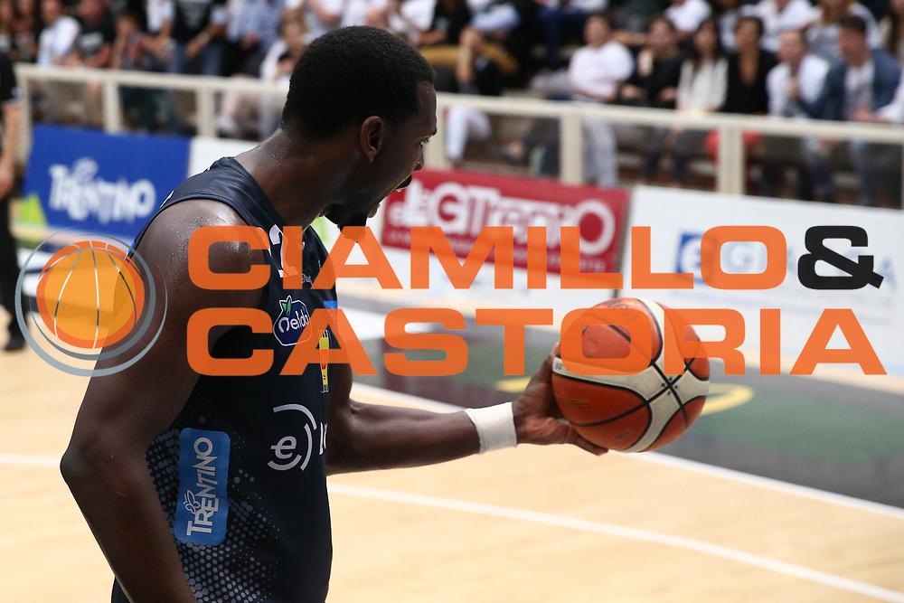 Hogue Dustin<br /> Dolomiti Energia Trentino vs Banco di Sardegna Sassari<br /> Lega Basket Serie A 2016/2017<br /> Play Off Quarti di Finale Gara 2<br /> Trento,14/05/2017<br /> Foto Ciamillo-Castoria/