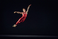 "San Francisco Ballet's Pascal Molat in Helgi Thomasson's ""Concerto Grosso"""