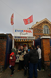 LIVERPOOL, ENGLAND - Saturday, January 26, 2008: Liverpool's supporters buy burgers from the 'EverPool Diner' outside Anfield. (Photo by David Rawcliffe/Propaganda)