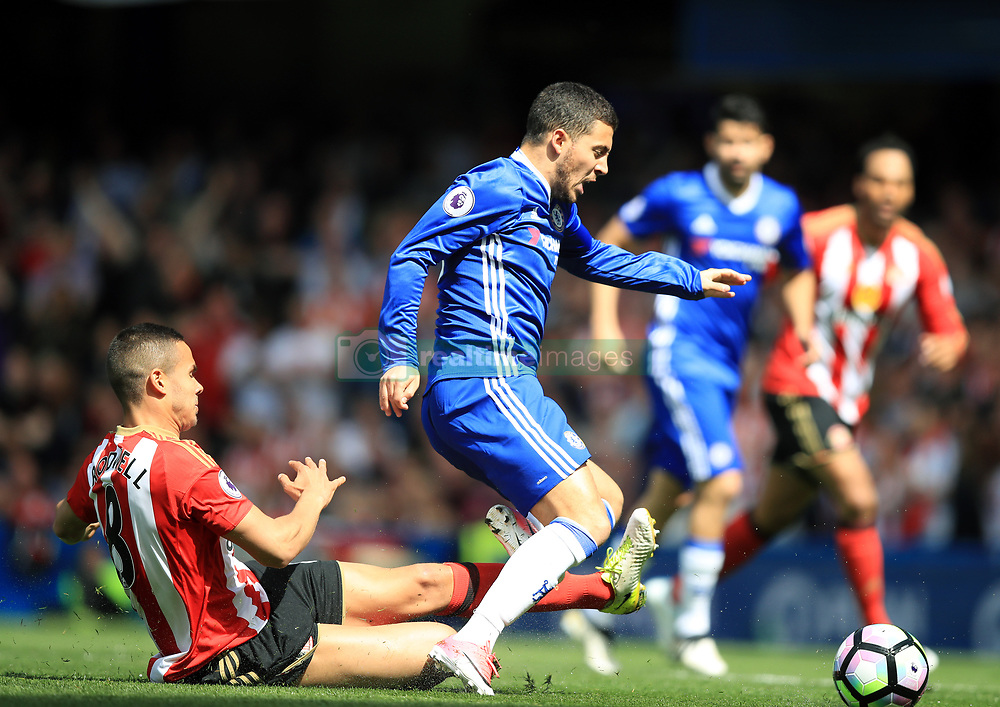 Chelsea's Eden Hazard and Sunderland's Jack Rodwell during the Premier League match at Stamford Bridge, London.