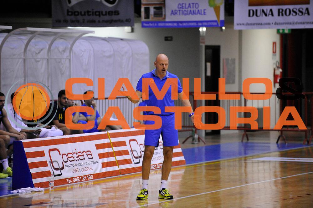 DESCRIZIONE : Caorle Lega A 2015-2016 9 Trofeo Citta di Caorle Umana Reyer Venezia Alba Berlino<br /> GIOCATORE : s obradovic<br /> CATEGORIA : Delusione<br /> SQUADRA : Umana Reyer Venezia Alba Berlino<br /> EVENTO : Campionato Lega A 2015-2016<br /> GARA : Umana Reyer Venezia Alba Berlino<br /> DATA : 18/09/2015<br /> SPORT : Pallacanestro<br /> AUTORE : Agenzia Ciamillo-Castoria/Michele Gregolin<br /> Galleria : Lega Basket A 2015-2016<br /> Fotonotizia :  Caorle Lega A 2015-2016 9 Trofeo Citta di Caorle Umana Reyer Venezia Alba Berlino<br /> Predefinita :