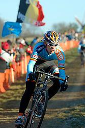 29-01-2006 WIELRENNEN: UCI CYCLO CROSS WERELD KAMPIOENSCHAPPEN ELITE: ZEDDAM <br /> Sven Vanhourenhout (BEL)<br /> ©2006-WWW.FOTOHOOGENDOORN.NL
