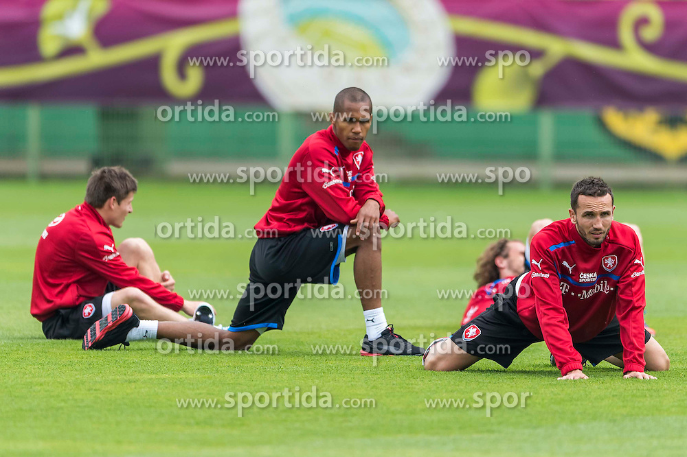 13.06.2012, Staedtisches Stadion Oporowska, Bresslau, POL, UEFA EURO 2012, Training, Tschechische Republik, im Bild VACLAV PILAR Czech Republic 14 THEODOR GEBRE SELASSLIE Czech Republic 2 PETR JIRACEK Czech Republic 19 TOMAS SIVOK Czech Republic 6 // during the during EURO 2012 Trainingssession of Czech Nationalteam, at the stadium Oporowski, Breslau, Poland on 2012/06/13. EXPA Pictures © 2012, PhotoCredit: EXPA/ Newspix/ Sebastian Borowski..***** ATTENTION - for AUT, SLO, CRO, SRB, SUI and SWE only *****