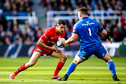 Alex Lozowski of Saracens takes on Cian Healy of Leinster Rugby - Mandatory by-line: Robbie Stephenson/JMP - 11/05/2019 - RUGBY - St James' Park - Newcastle, England - Leinster Rugby v Saracens - Heineken Champions Cup Final