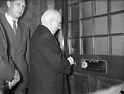 19/05/1959<br /> 05/19/1959<br /> 19 May 1959<br /> Opening of Foras Taluntais premises at 33 Merrion Road, Dublin. Picture shows President Sean T. O'Kelly officially opening the premises.