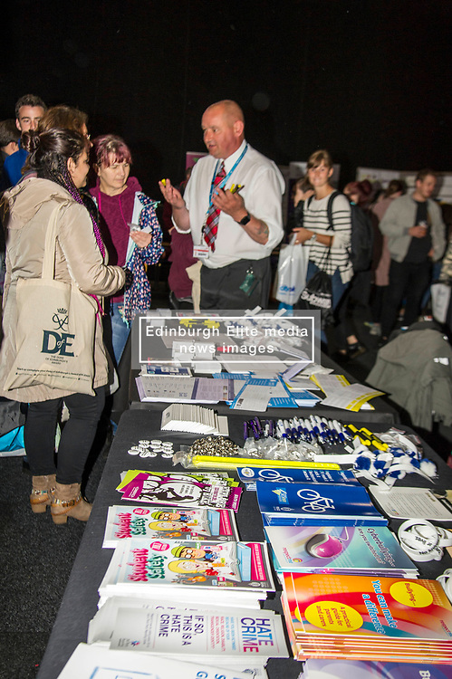 Pictured:<br /> <br /> Police Scotland today delivered student safety advice during freshers' weeks around the country as part of the Student Safety Campaign. Inspector David Happs was on hand in Edinburgh to speak to new students.<br /> <br /> Ger Harley: 1 September 2017