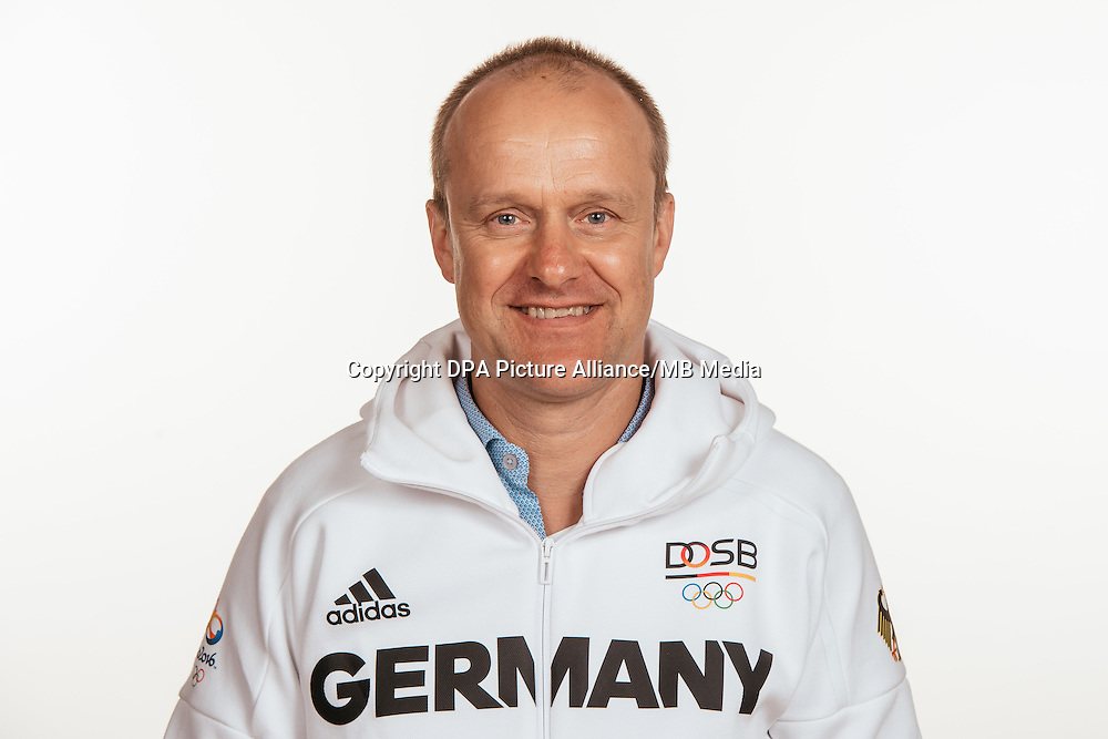 Dr. Ingo Tusk poses at a photocall during the preparations for the Olympic Games in Rio at the Emmich Cambrai Barracks in Hanover, Germany, taken on 15/07/16 | usage worldwide