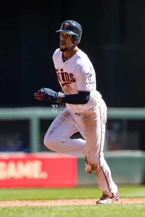 MINNEAPOLIS, MN- APRIL 6: Byron Buxton #25 of the Minnesota Twins runs against the Kansas City Royals on April 6, 2017 at Target Field in Minneapolis, Minnesota. The Twins defeated the Royals 5-3. (Photo by Brace Hemmelgarn) *** Local Caption *** Byron Buxton