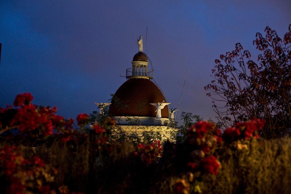 Venezuela_VEN, Venezuela...Detalhe da Cupula de um monumento na Venezuela...Details of the dome of a monument in Venezuela...Foto: JOAO MARCOS ROSA / NITRO