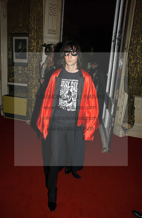 BOBBY GILESPIE at the 2006 Moet & Chandon Fashion Tribute in honour of photographer Nick Knight, held at Strawberry Hill House, Twickenham, Middlesex on 24th October 2006.<br /><br />NON EXCLUSIVE - WORLD RIGHTS
