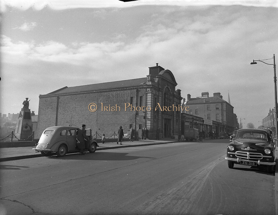 10/02/1953<br /> 02/10/1953<br /> 10 February 1953<br /> Views of the site of proposed Phibsboro Cinema (became the State Cinema) for O'Connor and Aylward Architects. Note the Irish Volunteer Monument.