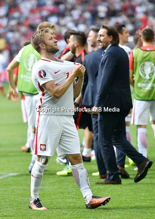 2016.06.25 Saint-Etienne<br /> Pilka nozna Euro 2016<br /> mecz 1/8 finalu Szwajcaria - Polska<br /> N/z radosc feta awans Jakub Blaszczykowski<br /> Foto Lukasz Laskowski / PressFocus<br /> <br /> 2016.06.25<br /> Football UEFA Euro 2016 <br /> Round of 16 game between Switzerland and Poland<br /> radosc feta awans Jakub Blaszczykowski<br /> Credit: Lukasz Laskowski / PressFocus