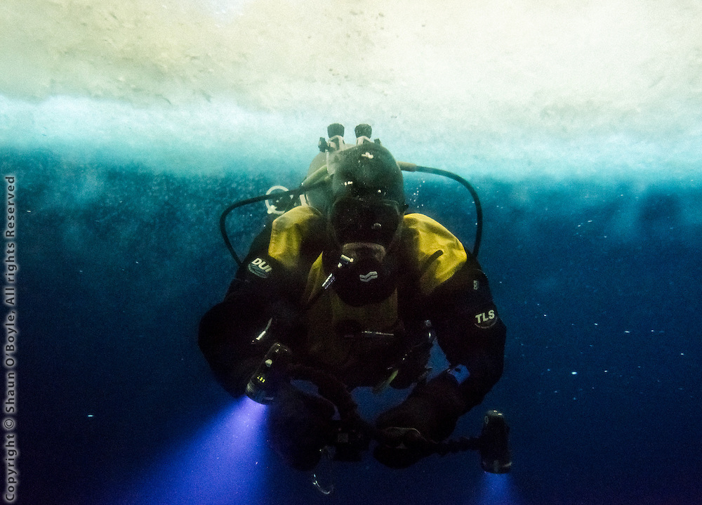 Diver in McMurdo Sound from the OB Tube.