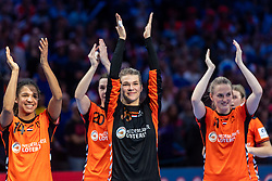 16-12-2018 FRA: Women European Handball Championships bronze medal match, Paris<br /> Romania - Netherlands 20-24, Netherlands takes the bronze medal / Delaila Amega #14 of Netherlands, /hn20/, Tess Wester #33 of Netherlands, Lynn Knippenborg #11 of Netherlands