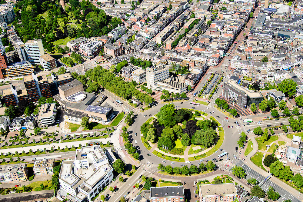 Nederland, Gelderland, Nijmegen, 09-06-2016; binnenstad Nijmegen. Keizer Karelplein.<br /> Town of Nijmegen, inner city.<br /> luchtfoto (toeslag op standard tarieven);<br /> aerial photo (additional fee required);<br /> copyright foto/photo Siebe Swart