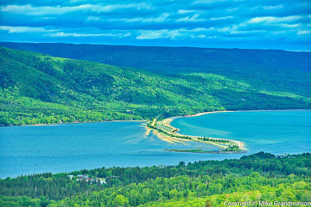 Causeway. Cabot Trail. Cape Breton Island. Appalachian Mountain chain.  <br />