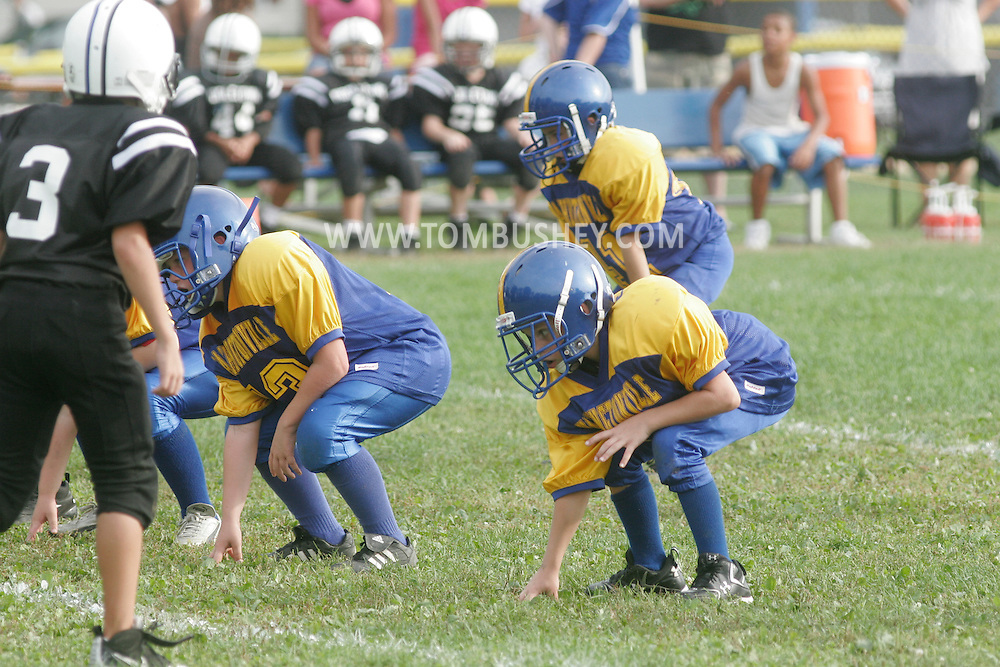 Middletown, NY - Washingtonville vs. Middletown in a Division 1 Orange County Youth Football League game at Watts Park on Sept. 14, 2008.