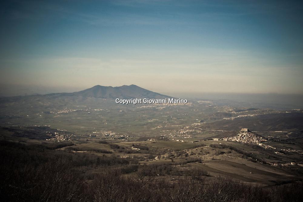 Monte Carmine di Avigliano (PZ) 24/02/2008 - Panorama con Lagopesole e Monte Vulture