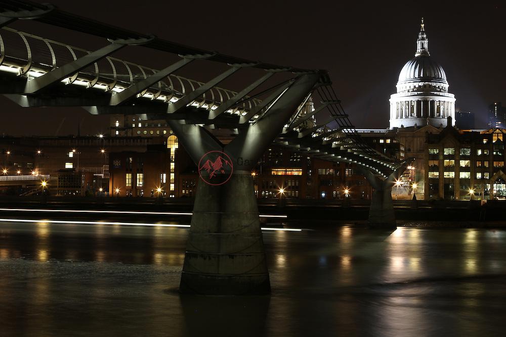 St Paul's, Cathedral, Millennium Bridge, London, River, Thames,