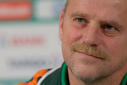 01.12.2011, Weserstadion, Bremen, GER, 1.FBL, Pressekonferenz Werder Bremen, im Bild Thomas Schaaf (Trainer Werder Bremen) // during press conference of Werder Bremen on 2011/12/01, Weserstadion, Bremen, Germany. EXPA Pictures © 2011, PhotoCredit: EXPA/ nph/ Frisch..***** ATTENTION - OUT OF GER, CRO *****