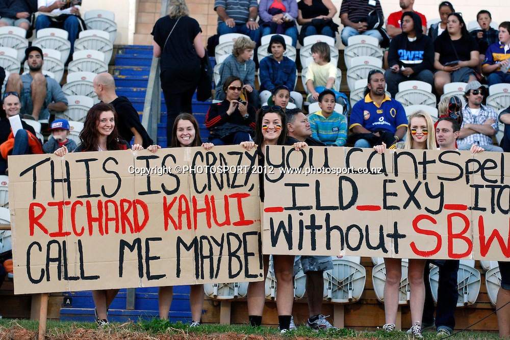Kahui and SBW fans in during their game at Baypark Stadium, Mt Maunganui, New Zealand. Friday,16 March 2012. Photo: Dion Mellow/photosport.co.nz