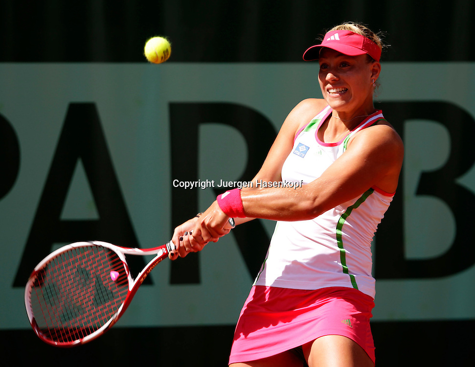French Open 2011, Roland Garros,Paris,ITF Grand Slam Tennis Tournament .Angelique Kerber (GER),.Einzelbild,Aktion,