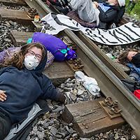 14 Ende Gelände Blockade