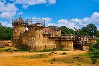 France, Yonne (89), La Puisaye, Treigny, chateau de Guédelon // Europe, France, Burgundy, Yonne, La Puisaye, Guedelon castle