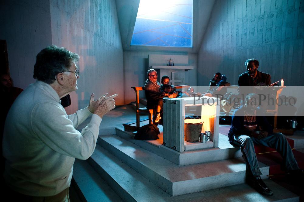 IL VILLAGGIO DI CARTONE.REGIA ERMANNO OLMI.BARI 25 NOVEMBRE 2010.