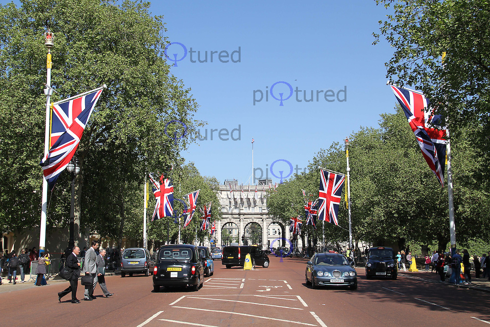 Union Flags The Mall - Royal Wedding, London, UK, 27 April 2011:  Contact: Rich@Piqtured.com +44(0)791 626 2580 (Picture by Richard Goldschmidt)