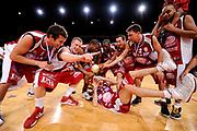 DESCRIZIONE : Paris Bercy Finales Coupe de France de Basket 2009 Finale Trophée masculin Denain ASCV Souffelweyersheim<br /> GIOCATORE :Equipe Souffelweyersheim<br /> SQUADRA : Denain ASCV Souffelweyersheim<br /> EVENTO : Coupe de France de Basket 2009<br /> GARA : Denain ASCV Souffelweyersheim<br /> DATA : 16/05/2009<br /> CATEGORIA : <br /> SPORT : Pallacanestro<br /> AUTORE : FF BB/Jean Francois Molliere-Ciamillo&Castoria<br /> Galleria : Coupe de France de Basket 2009<br /> Fotonotizia : Paris Bercy Finales Coupe de France de Basket 2009 Finale Trophée masculin Denain ASCV Souffelweyersheim<br /> Predefinita : <br /> si