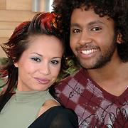 NLD/Baarn/20051229 - Persconferentie finalisten Idols 2005, zwangere Charissa en Aaron